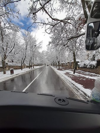 Ifrane, Marokko: hope this road never ends
