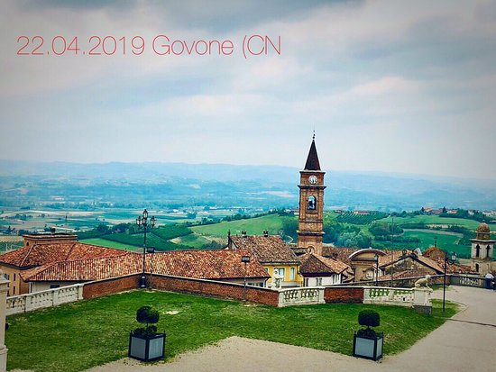 Una piacevole gita a Govone (CN). Peccato per le nuove, panorama stupendo.