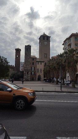 Savona Medioevale.  La Torre del Brandale e altre due torri, uniche sopravvissute al conflitto mondiale delle 50 torri presenti in citta'.