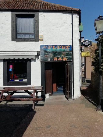 Eyemouth, UK: The Fleet Bar
