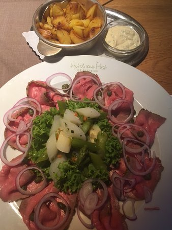 Selbstgemacht frisch+toll abgeschmeckt: Roastbeef + Spargelsalat+ Speckkartoffeln