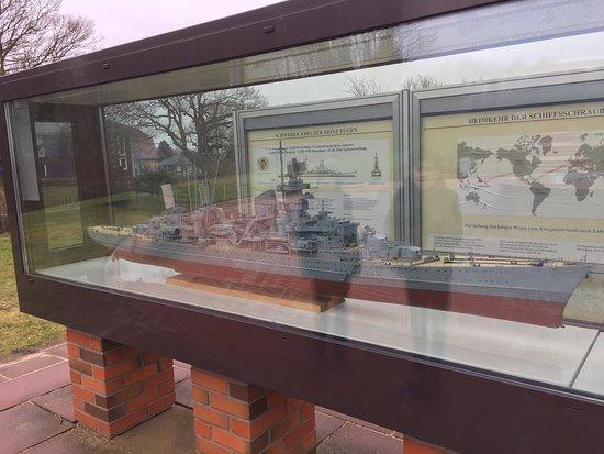 Laboe Naval Memorial (Marine-Ehrenmal)照片
