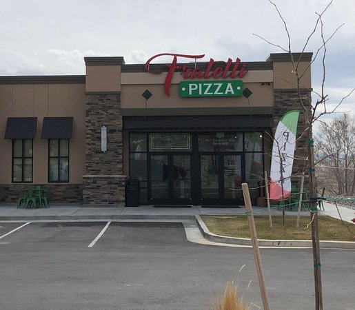Fratelli Pizza Front