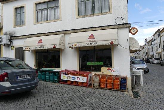Povoa e Meadas, Πορτογαλία: este es el local, nos costo encontrarlo quiza porque buscamos un rotulo de restaurante