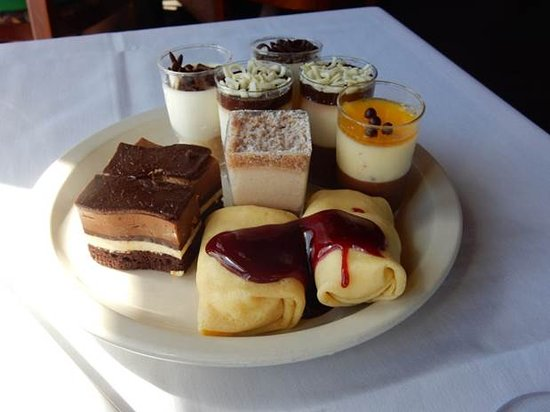‪‪The Reef Restaurant‬: Mini desserts‬
