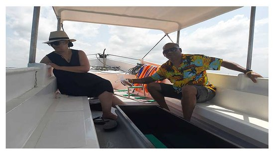 Di Tengah laut menuju Pulau Penyu, untuk melihat prose budidaya Penyu di Pantai Tanjung Benoa Bali