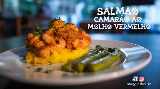 Maggie's House: Salmão grelhado com camarão ao molho vermelho, aspargos, purê de mandioquinha e tempero verde!