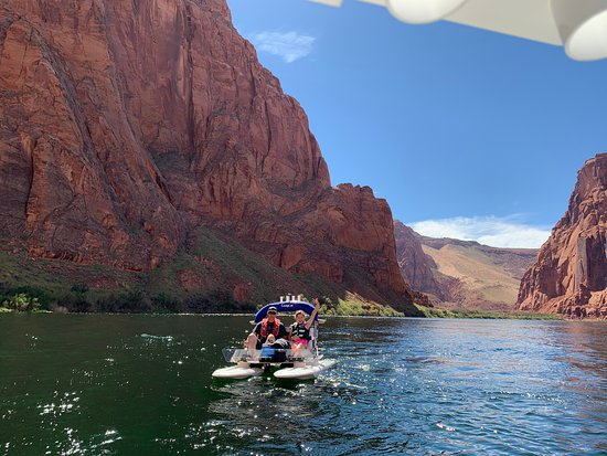 Marble Canyon, AZ : Having fun on our way to Glen Canyon Dam