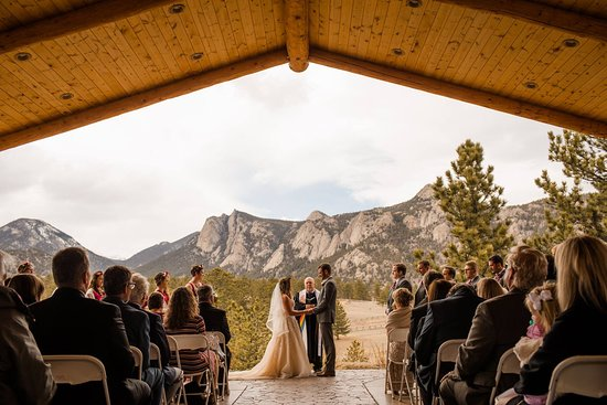 Black Canyon Inn: Our wedding under the Pavilion! @DyannDiercksPhotography