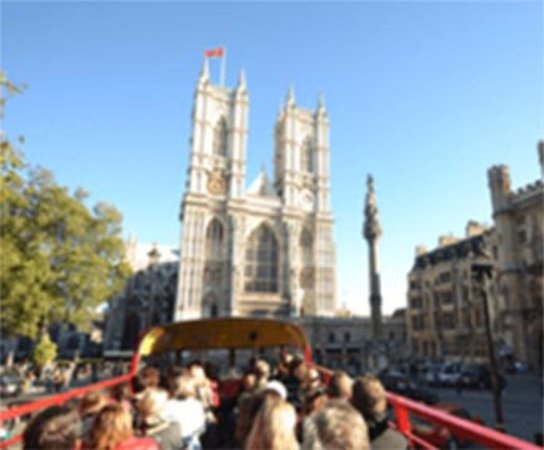 London Vintage Bus Tour Including River Thames Cruise with Optional Lunch: on the vintage bus-