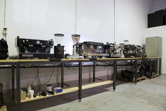 Animal Coffee: laboratorio para curso de latte art. maquinas de espresso