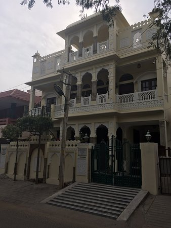 Padlia House
