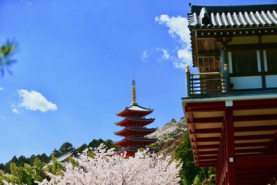 Hompuku-ji Temple