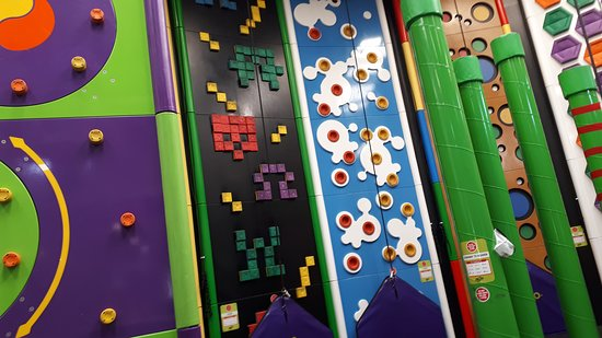 ‪Clip 'n Climb Cambridge‬
