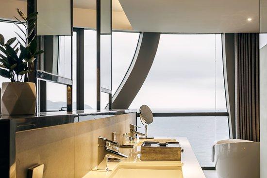 Stella Maris Beach Danang: Suite View from bathroom