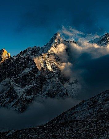Manaslu ridge in the evening