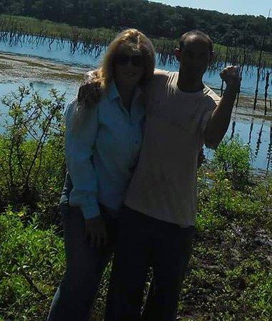 Pereira Barreto, SP: Eu e Mozão no Rio Tietê, embrenhados no meio do mato. boa pescaria !