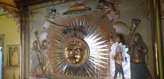 the 01 kg gold Sun to offer prayer of God Sun