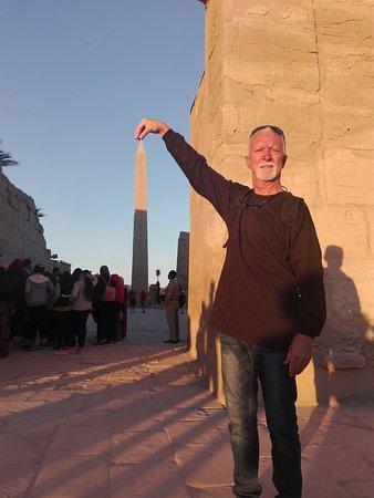 obelischo in mano