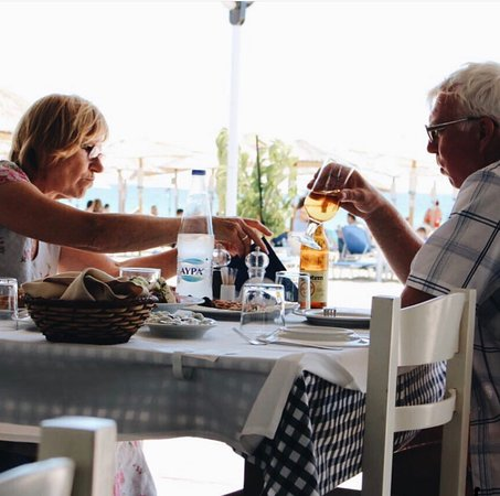 Seafood Tavern Aggelos: Cold beer by the sea