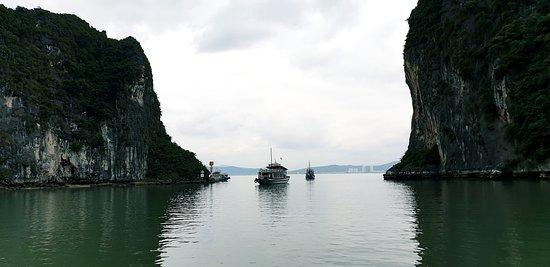 Halong Bay: Бухта Халонг