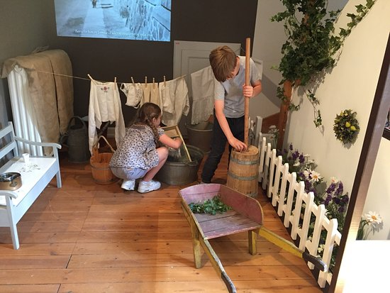 Children can experience everyday life as it was, played out in the shops, nursery and classrooms of Hillerød in the 1920s-1960s