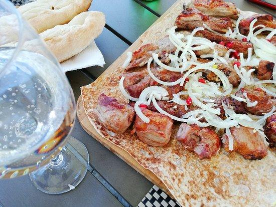 Tskneti, Georgia: The best experience to dine in Georgia 😍 I love it with friends 🍾👍
