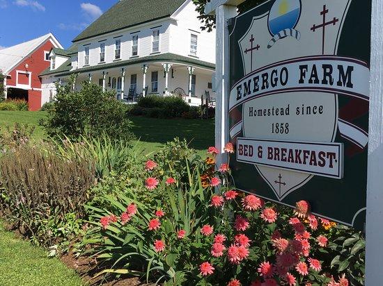 Danville, VT: Emergo 1858 Century Farm/Bed and Breakfast