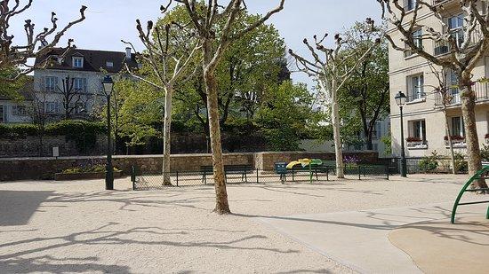 Square Suzanne-Buisson
