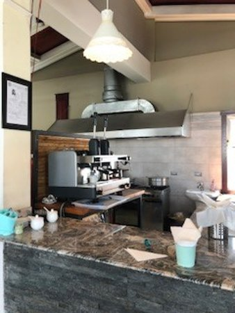 BRGR Wagon: the open kitchen (has a serious coffee maker)