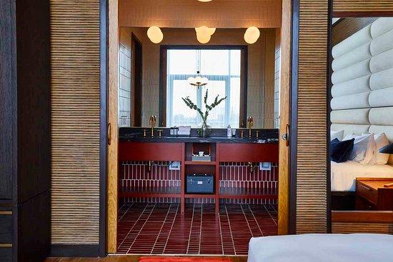 Fairlane Hotel Photo