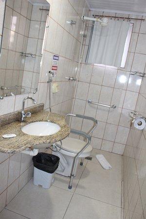 Banheiro para Portador de Necessidades Especiais.