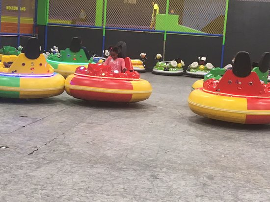 ‪Fun City Trampoline Park‬