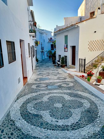These pictures are of places in Nerja, the Balcon de Europa, the beaches, FRIGLIANO town and The Aqueduct Aguila.