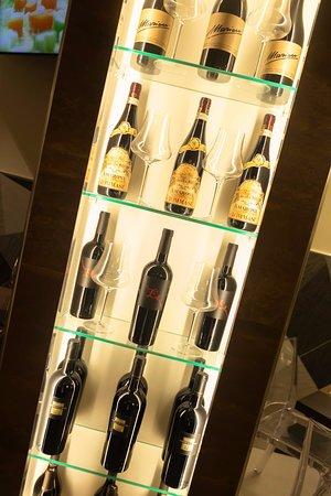 """Area 76: Vasta selezione di vini locali e """"fuori Area"""""""