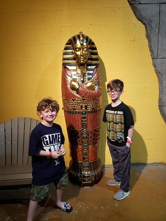 SeaQuest Fort Worth: Egypt display