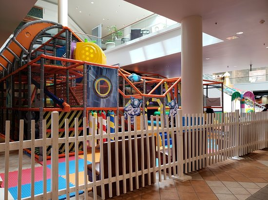 SeaQuest Fort Worth: mall play area