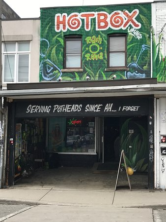 Kensington Market: A great variety of necessities for smokers 