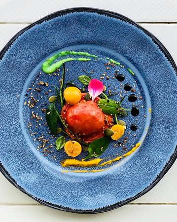 Beat ravioli / golden berry textures