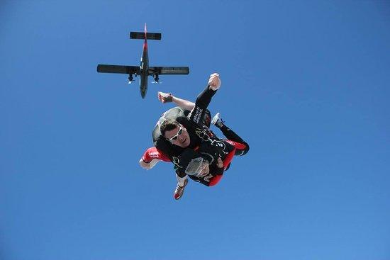 Parachute Ottawa
