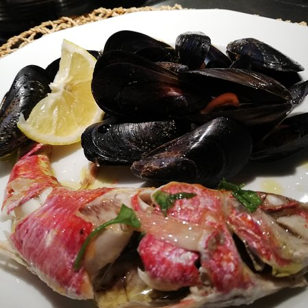 Red mullet and mussels.