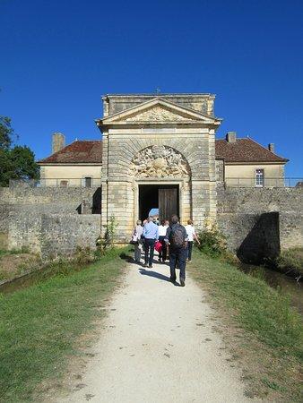 Cussac-Fort-Medoc, Frankrike: Fronton orné de la figure du roi Soleil