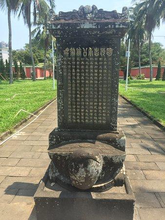 Hairui's Tomb April 2019