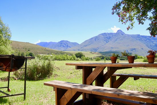 Rose Cottage Braai area with view