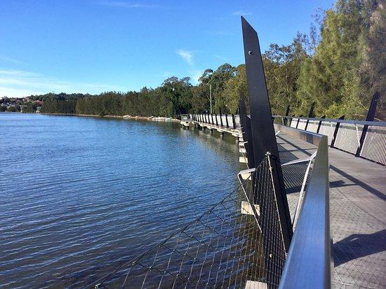 Eleebana, أستراليا: Overwater walkway