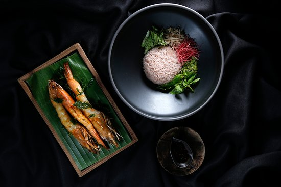 Taan: Wild-caught sea prawns with holy basil