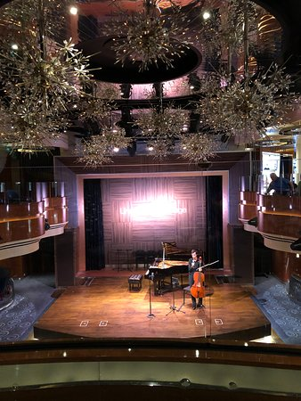 Koningsdam: Lincoln Center Stage