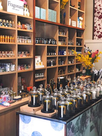 Lore Perfumery
