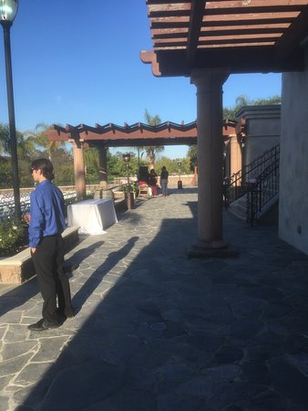 Old Ranch Country Club: Looking at Wedding ceremony area.