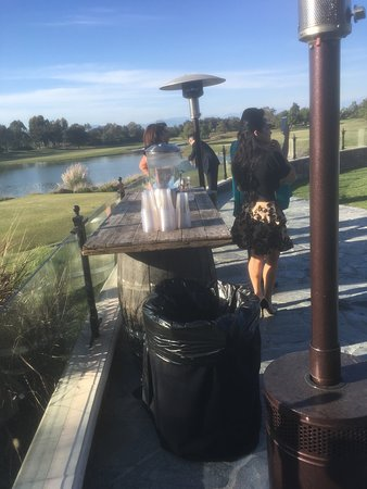 Old Ranch Country Club: Water station.